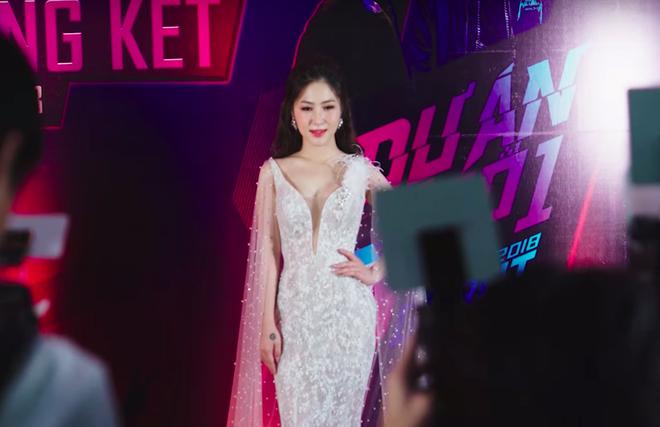 Hương Tràm lột tả chuỗi ngày bí bách khi đương đầu với áp lực dư luận, bị người yêu trách móc trong MV mới - Ảnh 5.