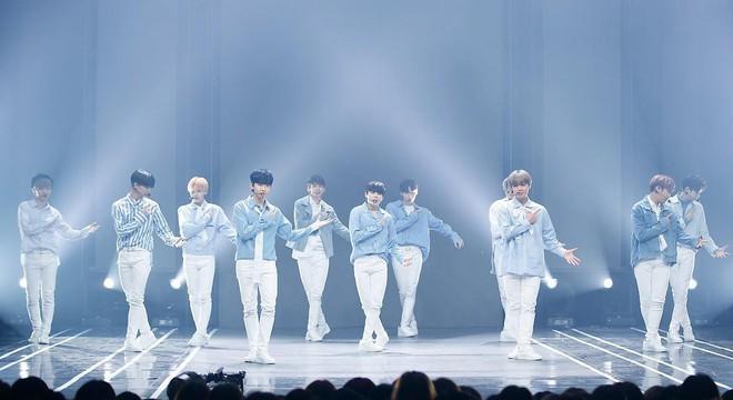 Công ty của Wanna One bị chỉ trích không thương tiếc sau khi tung preview cho album cuối cùng của nhóm - Ảnh 2.