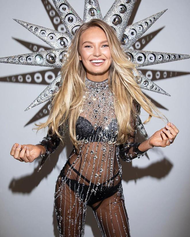 Lộ diện siêu phẩm thứ 2 của Victorias Secret Fashion Show 2018: thiết kế Swarovski với 125.000 viên pha lê - Ảnh 2.