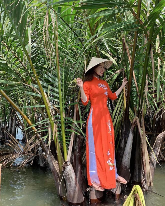 Thiên thần nội y Hàn Quốc Lee Ha Neul đang thăm thú Hội An, khoe ảnh mặc áo dài đội nón lá - ảnh 5