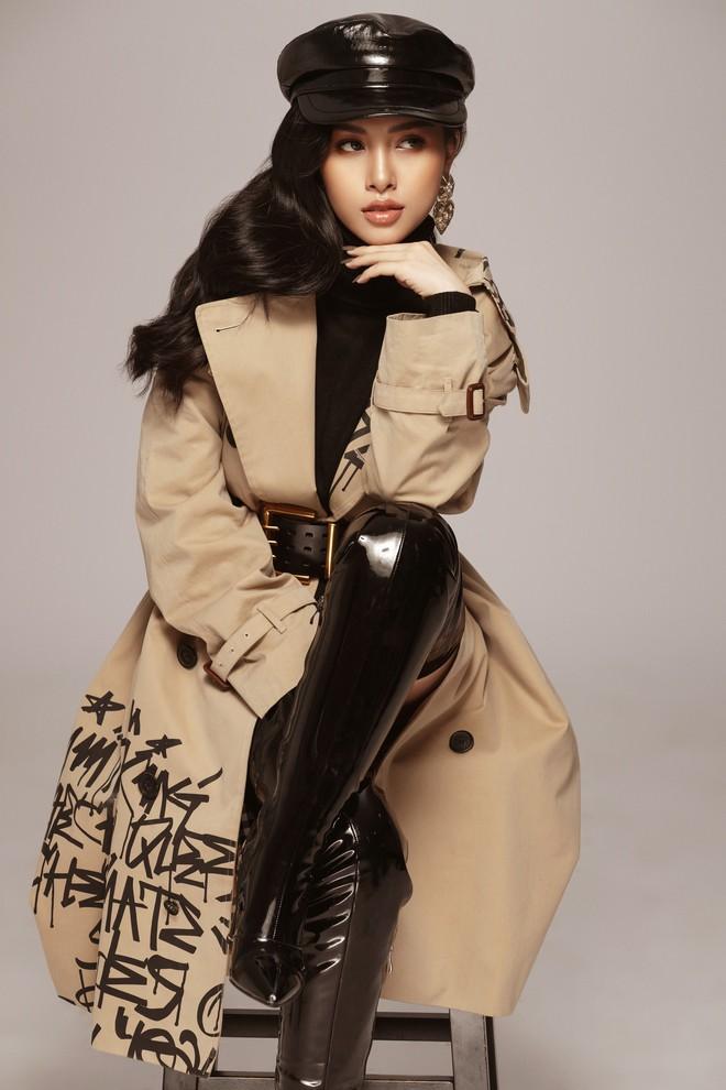 Trang Pilla khoe ảnh mới, dân tình giật mình vì quá giống Hoa hậu Tiểu Vy - ảnh 8