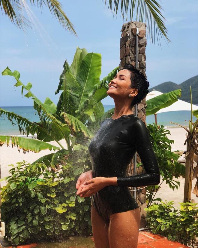 """H'Hen Nie """"Khi lấy chồng, tôi sẽ chụp ảnh cưới ở biển Nha Trang chứ không ra nước ngoài - Ảnh 1."""