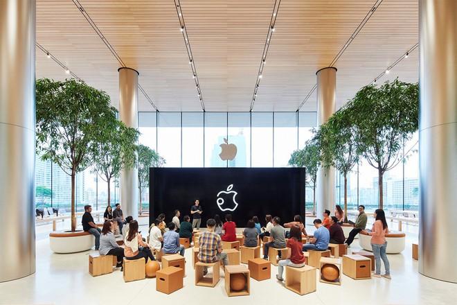 Những hình ảnh đầu tiên bên trong Apple Store Thái Lan: Sang xịn thế này mà không check-in thì quá phí - Ảnh 4.