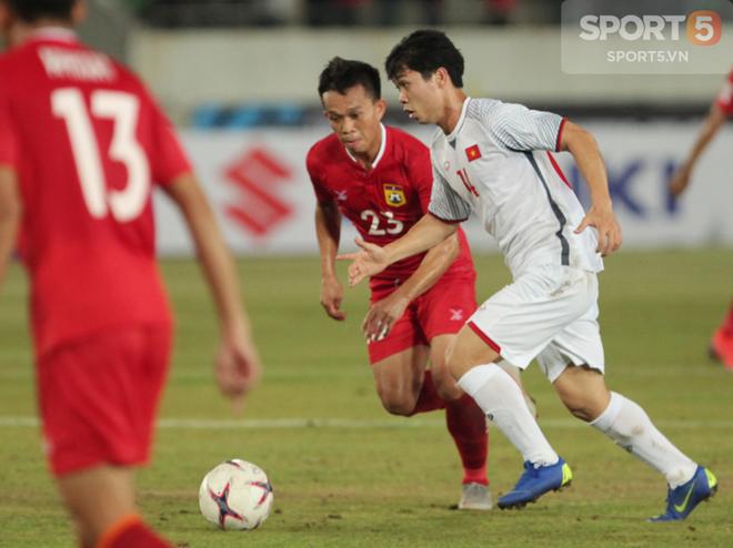 Phát hiện AFF Cup 2018: Đội trưởng Văn Quyết tìm thấy bản sao tại Lào - ảnh 2