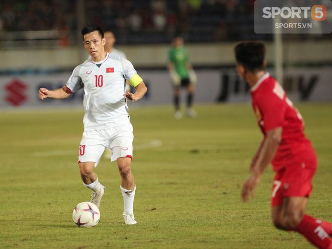 Phát hiện AFF Cup 2018: Đội trưởng Văn Quyết tìm thấy bản sao tại Lào - ảnh 3
