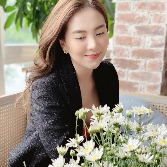 5 năm gắn liền với hình tượng cô gái thời tiết, Mai Ngọc chuyển hướng làm BTV thời sự ở tuổi 28 - Ảnh 3.