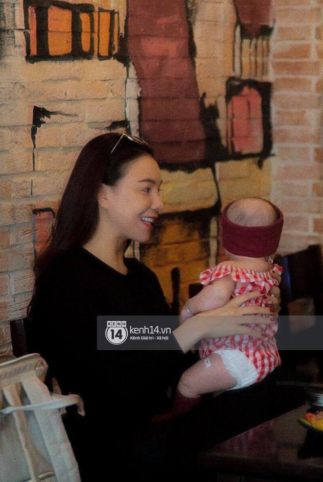 Trà Ngọc Hằng bí mật sinh con gái tròn 4 tháng tuổi, hiện là mẹ đơn thân - Ảnh 1.