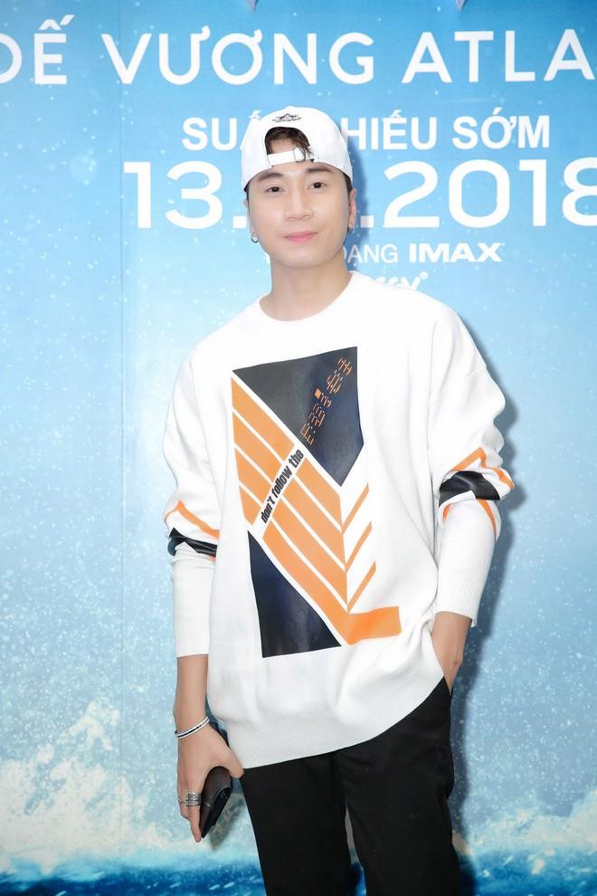 """Minh Tú diện áo xuyên thấu gợi cảm táo bạo dự ra mắt phim """"Aquaman"""" - ảnh 7"""
