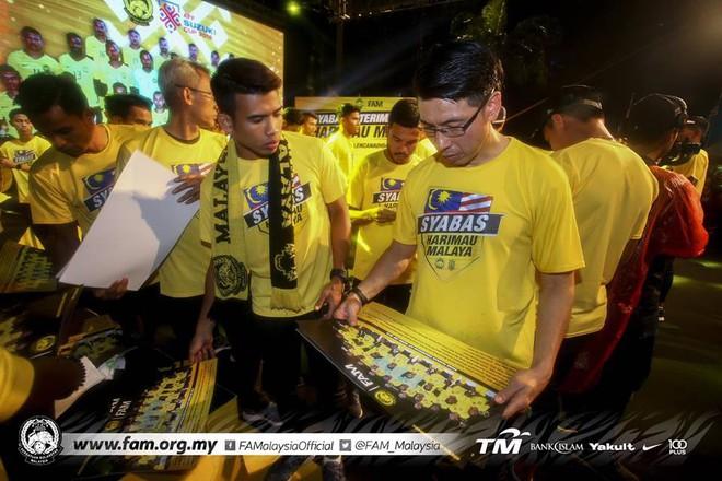 Thất bại trước Việt Nam, đội tuyển Malaysia vẫn được chào đón như những người hùng khi về nước - ảnh 10