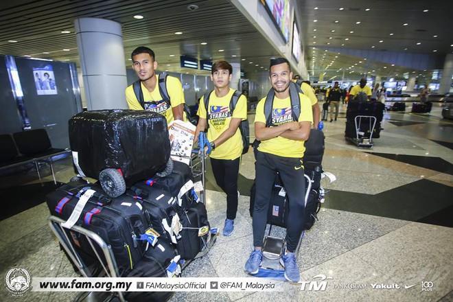 Thất bại trước Việt Nam, đội tuyển Malaysia vẫn được chào đón như những người hùng khi về nước - ảnh 2