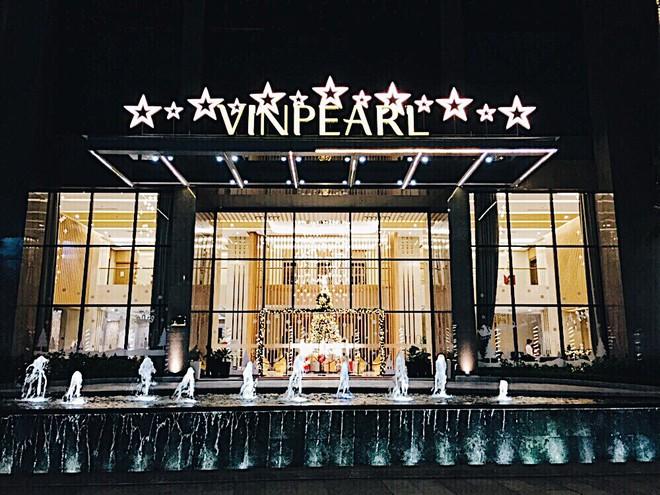 Không gian chuẩn mùa lễ hội của Vinpearl Hotels: Góc nào cũng lung linh, đã vậy còn được thưởng thức bữa tối với view ngàn sao! - ảnh 1