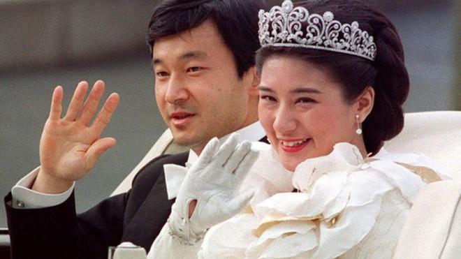 Công nương xinh đẹp Masako của Hoàng gia Nhật Bản: Nỗi sầu của con chim quý bị nhốt chặt trong lồng son - ảnh 8