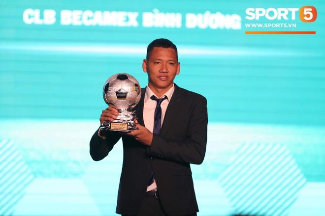 CHÍNH THỨC: Quang Hải giành quả bóng vàng Việt Nam 2018 ở tuổi 21 - Ảnh 3.