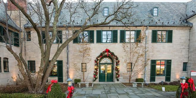 Choáng ngợp khung cảnh Noel ở các trường ĐH: Con nhà giàu sướng thật, đón Giáng sinh cũng chảnh hơn người! - Ảnh 7.