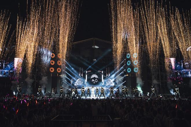 Chùm ảnh đẹp trong liveshow Ten On Ten của Đông Nhi: Xứng đáng là đêm diễn đỉnh nhất năm 2018! - Ảnh 1.
