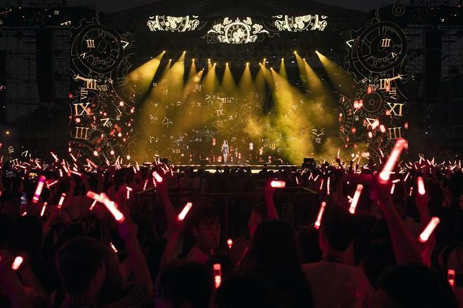 Chùm ảnh đẹp trong liveshow Ten On Ten của Đông Nhi: Xứng đáng là đêm diễn đỉnh nhất năm 2018! - Ảnh 3.