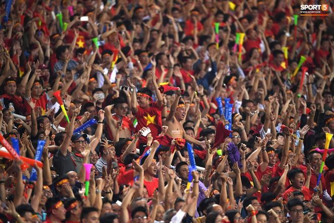Mới đón chức vô địch AFF Cup chưa lâu, SVĐ Mỹ Đình đã giảm nhiệt ngày trở lại - ảnh 11