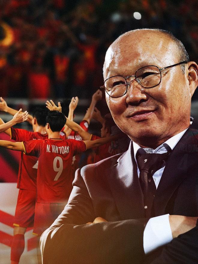 Có một người thầy dễ thương như HLV Park Hang-seo: Thương cầu thủ như con, lúc nào cũng thân thiện với fan - ảnh 1