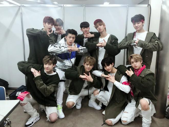 20 nghệ sĩ Kpop bán đĩa giỏi nhất 2019: BTS đẳng cấp dẫn đầu, BLACKPINK mất dạng, Baekhyun đại diện EXO oanh tạc BXH - Ảnh 8.