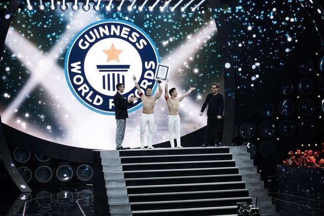 Anh em Quốc Cơ - Quốc Nghiệp xác lập kỉ lục Guinness Thế giới tại Ý với thành tích ấn tượng - Ảnh 6.