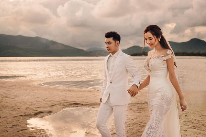 Ưng Hoàng Phúc đưa trọn vẹn đám cưới cổ tích cùng bà xã Kim Cương vào MV mới - Ảnh 4.