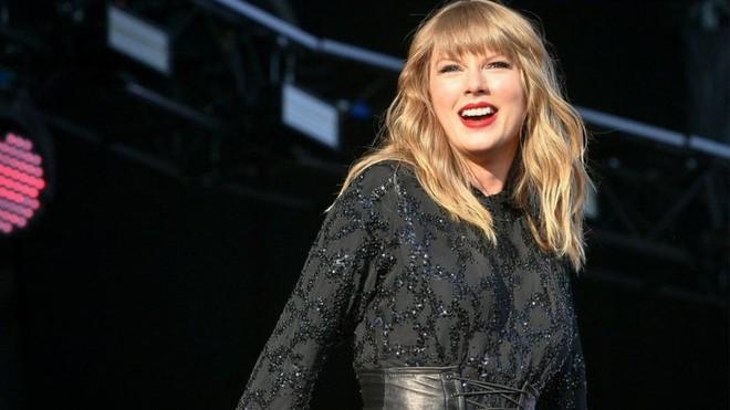 BXH âm nhạc năm 2018 của Billboard: Drake và Taylor Swift giữ ngôi vương, BTS là đại diện Kpop duy nhất - Ảnh 2.