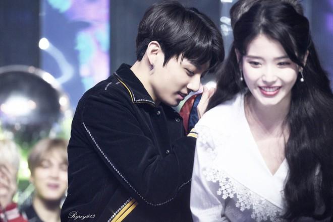 Rộ tin Jungkook (BTS) có mối quan hệ tình cảm không đơn giản với IU, anh trai ruột tiết lộ sự thật đằng sau đó - Ảnh 4.