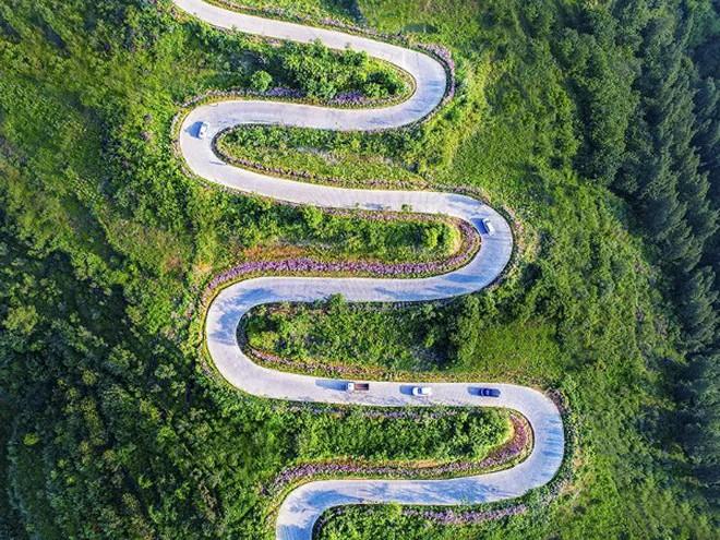 Con đường quặn thắt ruột gan ở Trung Quốc, đi có 6 cây số bẻ cua hết 68 lần - ảnh 4