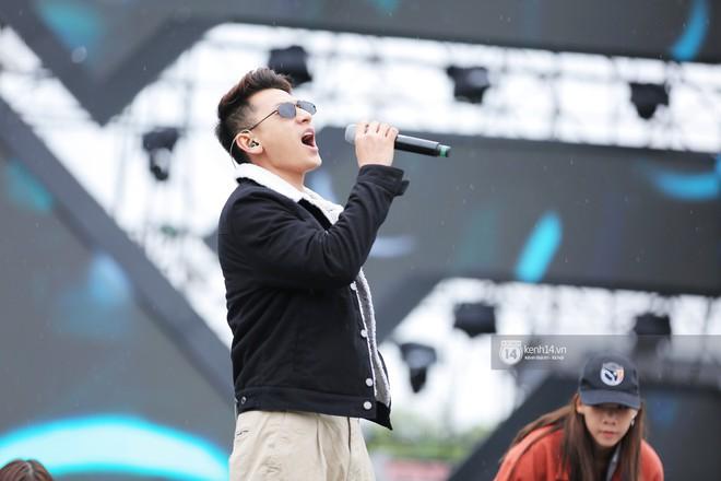 Soobin, Bích Phương và loạt sao Việt cháy hết mình diễn tập cho đêm diễn Yêu.Tin.Hành động - ảnh 11