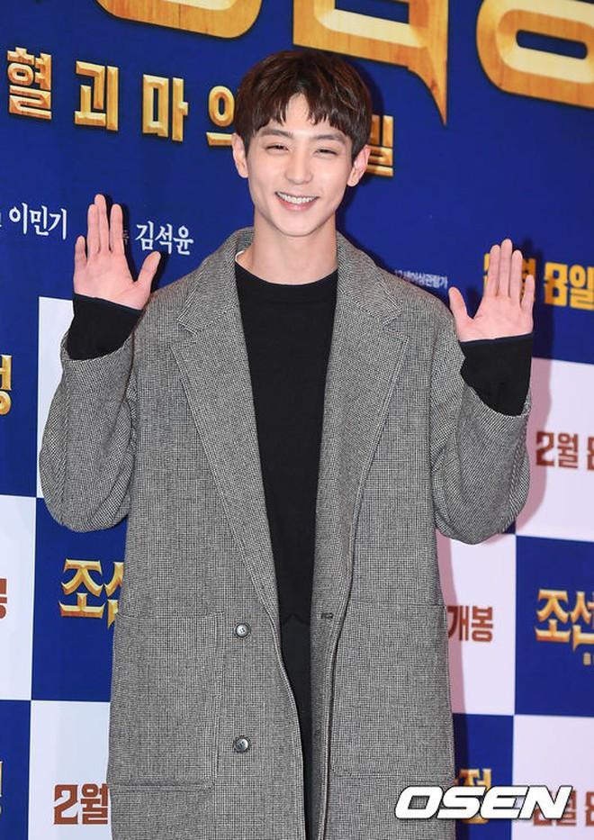 Nữ thần Hậu duệ mặt trời bê cả nửa showbiz đến dự: Song Ji Hyo đánh bật loạt mỹ nhân, Bi Rain dẫn đầu dàn tài tử - ảnh 41