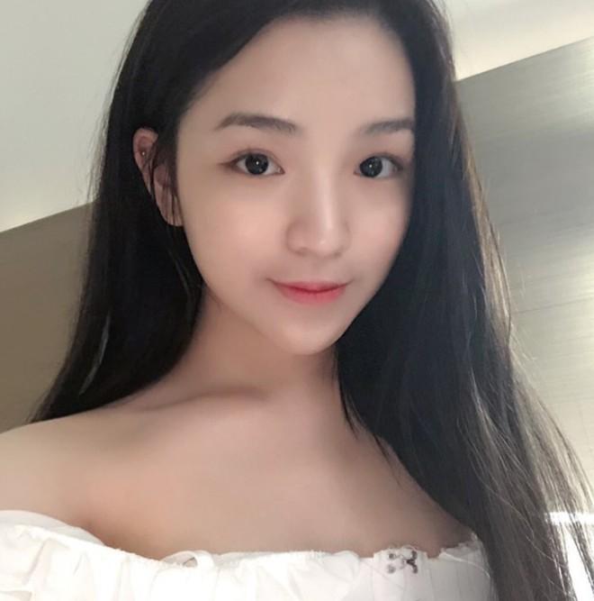 Chân dung bạn gái cực xinh của Phan Hoàng - em trai thiếu gia Phan Thành - Ảnh 3.