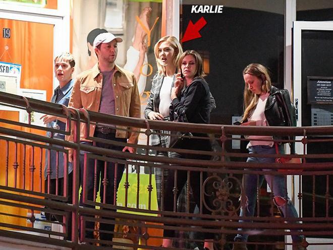 Thản nhiên đi chơi bên Katy, Karlie Kloss đã công khai lật mặt với bạn thân Taylor Swift? - Ảnh 1.