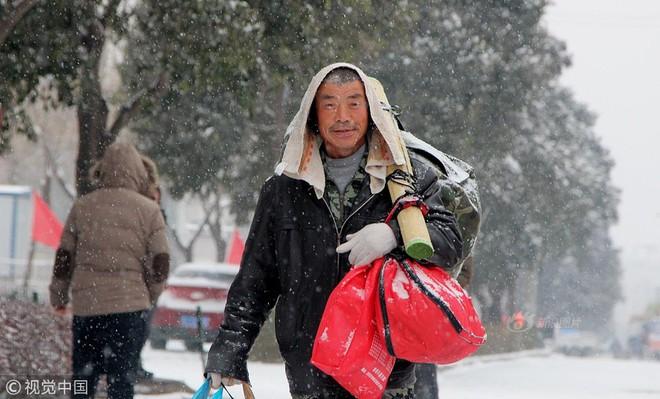 Lẫn trong niềm hân hoan về quê ăn Tết, còn bao nỗi buồn và nước mắt mỗi mùa Xuân vận Trung Quốc - ảnh 5