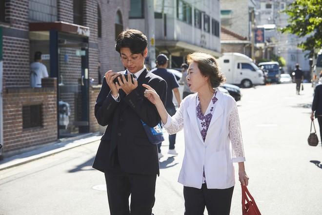 Điều đặc biệt đằng sau bức ảnh ba mẹ con trong phim Hàn xúc động nhất đầu 2018 - ảnh 3