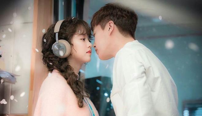 Radio Romance - Bộ phim tưởng không khó nhưng lại khó không tưởng cho cặp diễn chính - Ảnh 1.