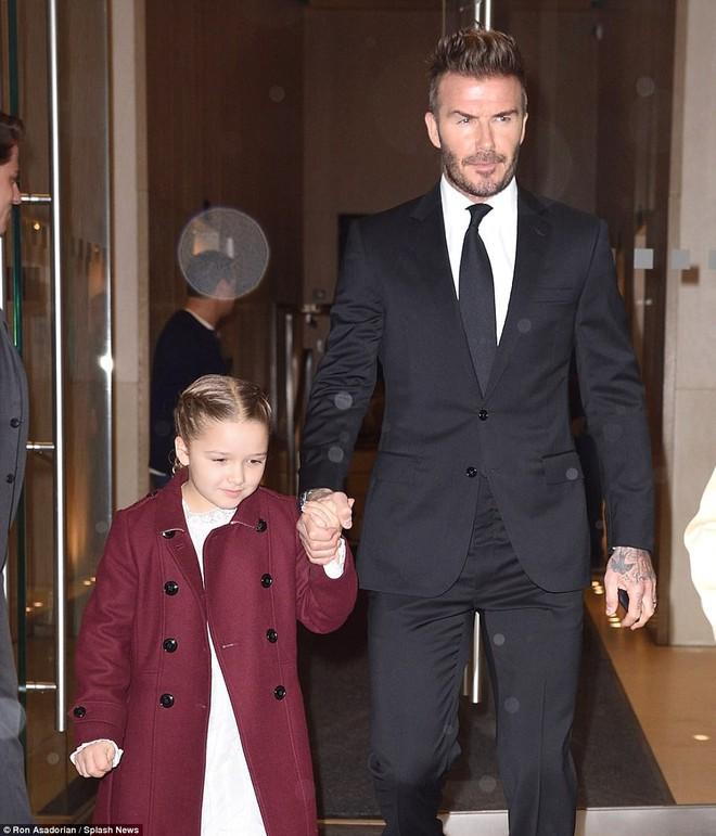 Càng lớn lại càng xinh đẹp, thảo nào Harper Beckham luôn được bố yêu chiều nhất nhà - Ảnh 1.