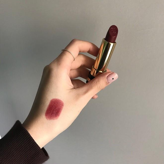 Valentine 2018: Không cần makeup cầu kỳ, chỉ cần diện 4 màu son sexy tuyệt đối này là bạn đã có thể hạ gục đối phương - Ảnh 10.