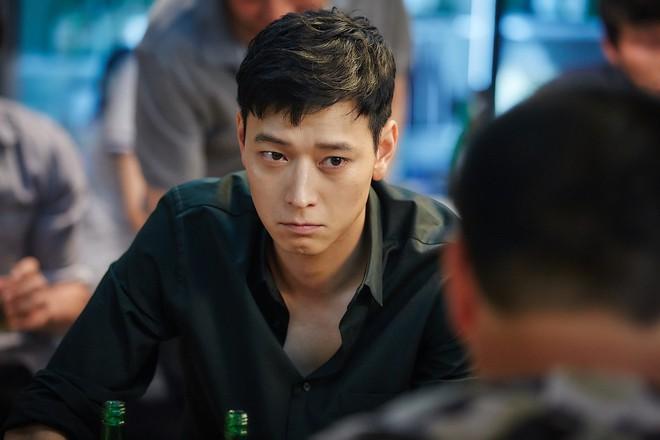 Giỏi, đẹp trai lại là cậu ấm tập đoàn lớn, tài tử thánh sống Kang Dong Won tiết lộ sự thật về người bố giàu có - Ảnh 1.