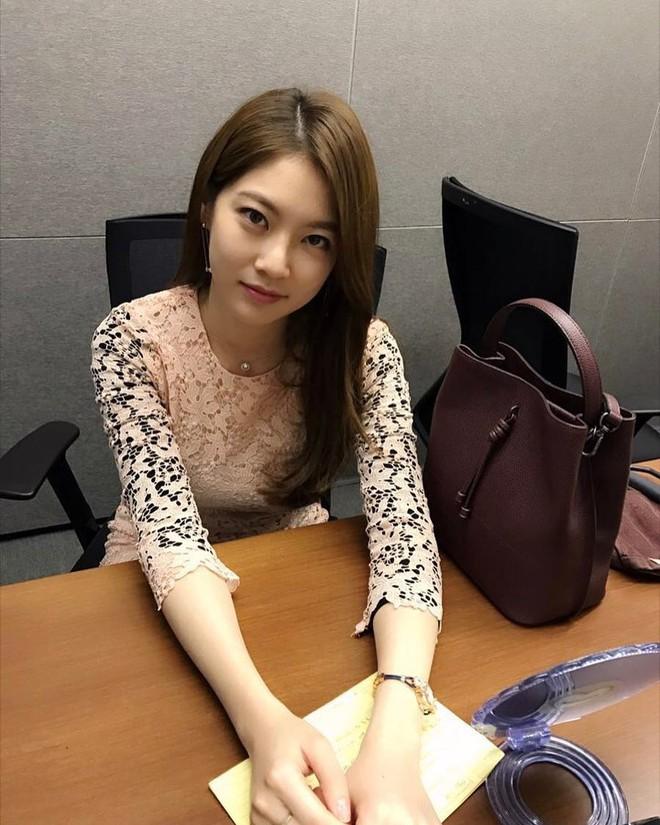 Nhờ các sao nữ lăng xê, 5 mẫu túi này bỗng trở thành item hot hit ở Hàn Quốc  - Ảnh 7.