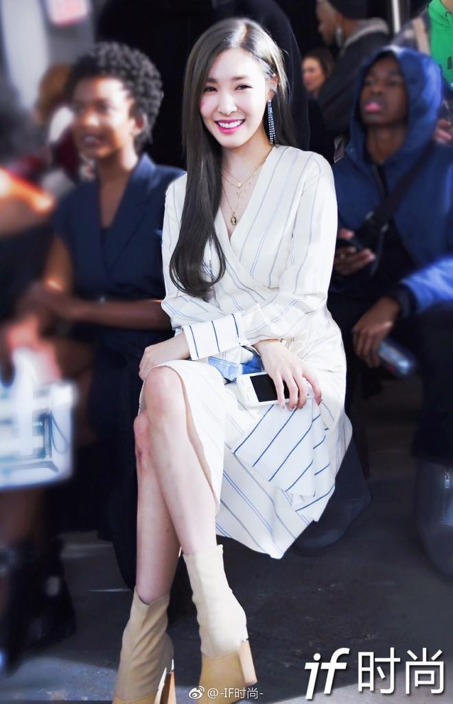 Dự Tuần lễ Thời trang New York, Tiffany mạnh tay diện hẳn áo lông hơn 200 triệu đồng - Ảnh 3.