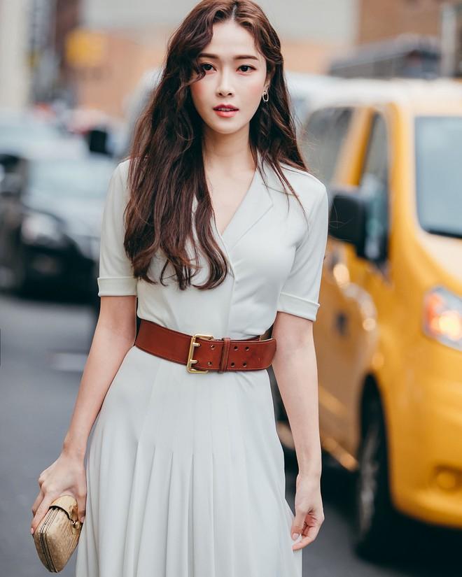 Dự Tuần lễ Thời trang New York, Tiffany mạnh tay diện hẳn áo lông hơn 200 triệu đồng - Ảnh 6.