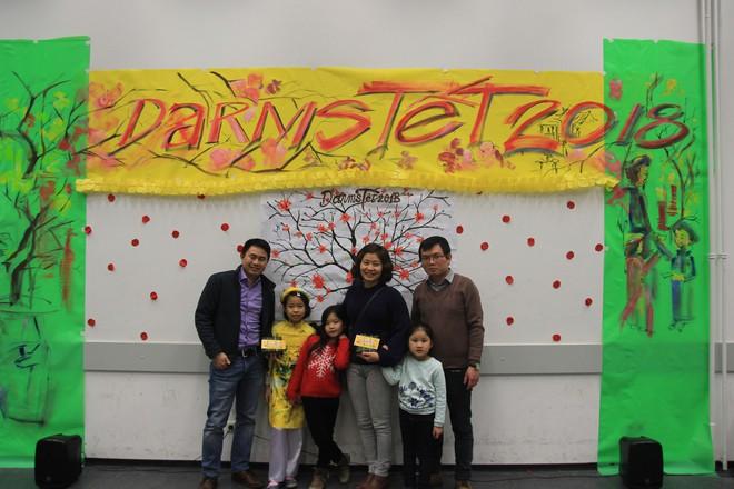 Từ khắp thế giới, du học sinh Việt đang đón Tết sớm tưng bừng - Ảnh 9.