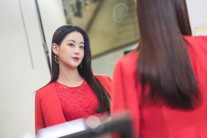 Hoa Du Ký: Thành Bạch Cốt Tinh, Tam Tạng biến hình quá xinh đẹp khiến fan lo lắng - Ảnh 4.