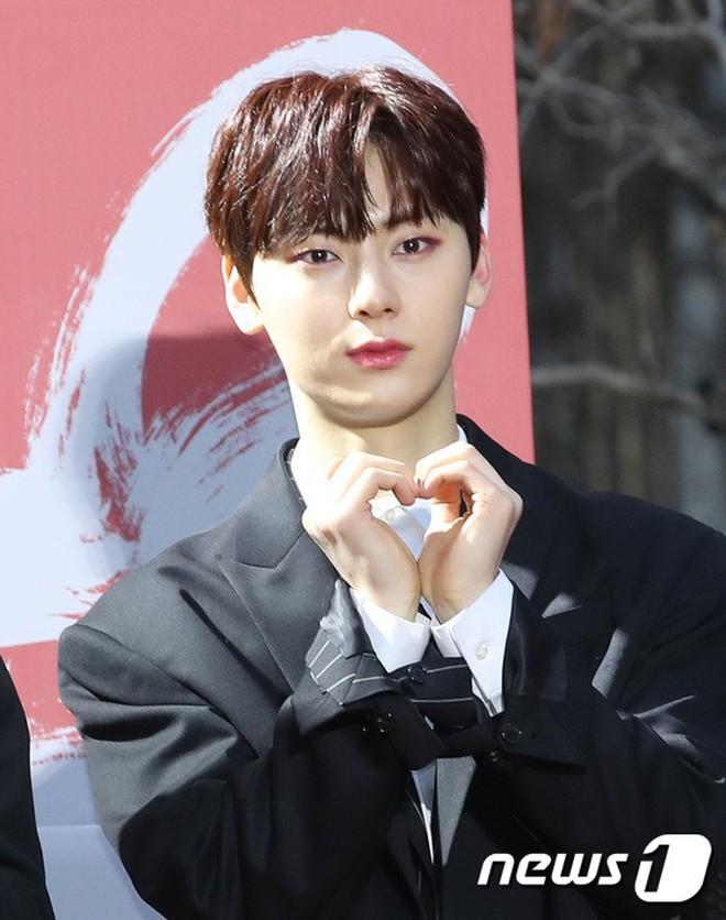 Thảm đỏ Gaon 2018: Kang Daniel biểu hiện lạ sau tin hẹn hò, Tzuyu và IU lột xác bất ngờ giữa dàn mỹ nhân đẹp lung linh - ảnh 30