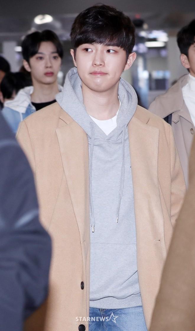 SHINee và Wanna One đụng độ tại sân bay: Center quốc dân có đọ được với độ sang chảnh của Key và Taemin? - Ảnh 20.