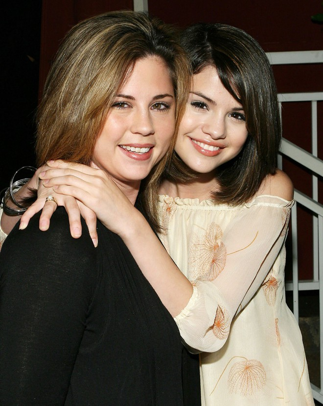 Selena Gomez: Cô gái có trong tay tất cả nhưng sẵn sàng từ bỏ mọi thứ vì một chàng trai - Ảnh 12.