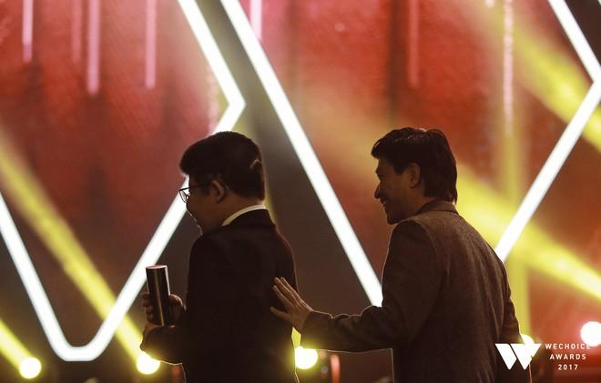 Khoảnh khắc WeChoice Awards: Đẹp nhất là khi Sơn Tùng, bé Bôm và các nghệ sĩ Việt cùng chậm lại trong dòng cảm xúc vỡ òa - ảnh 39