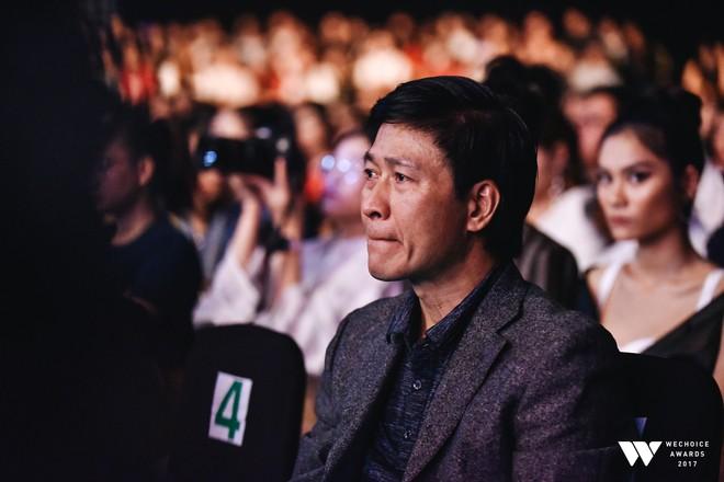 Khoảnh khắc WeChoice Awards: Đẹp nhất là khi Sơn Tùng, bé Bôm và các nghệ sĩ Việt cùng chậm lại trong dòng cảm xúc vỡ òa - ảnh 11