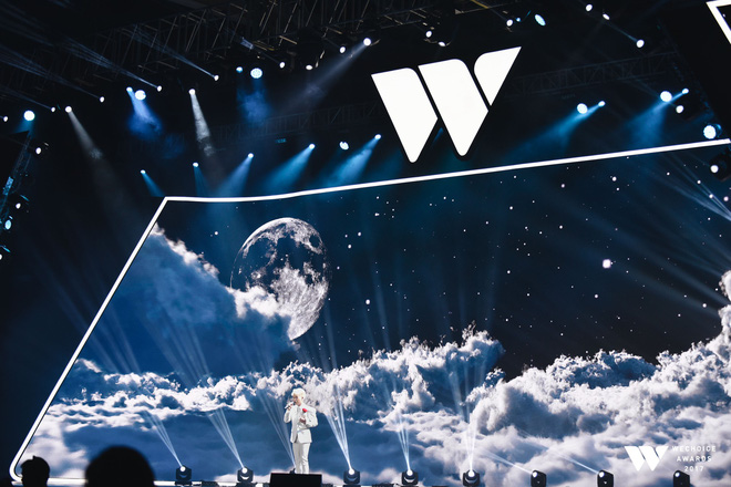 Khoảnh khắc WeChoice Awards: Đẹp nhất là khi Sơn Tùng, bé Bôm và các nghệ sĩ Việt cùng chậm lại trong dòng cảm xúc vỡ òa - ảnh 23