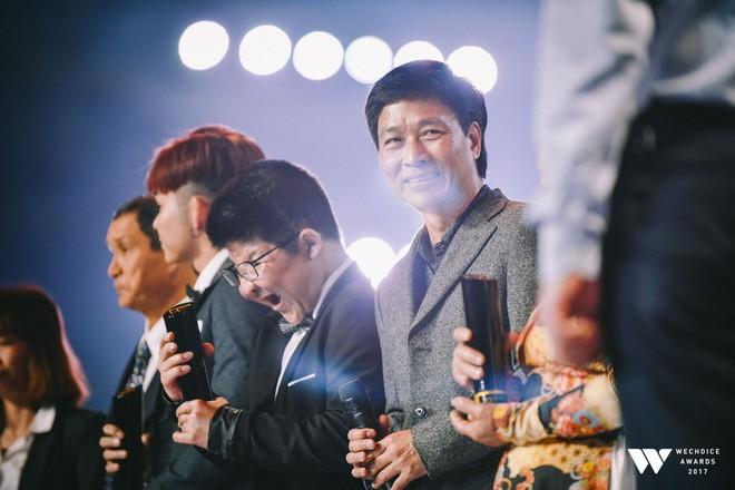 Khoảnh khắc WeChoice Awards: Đẹp nhất là khi Sơn Tùng, bé Bôm và các nghệ sĩ Việt cùng chậm lại trong dòng cảm xúc vỡ òa - ảnh 37